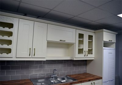 topline-rogers-kitchens-ireland-ivory-shaker-cameo-1